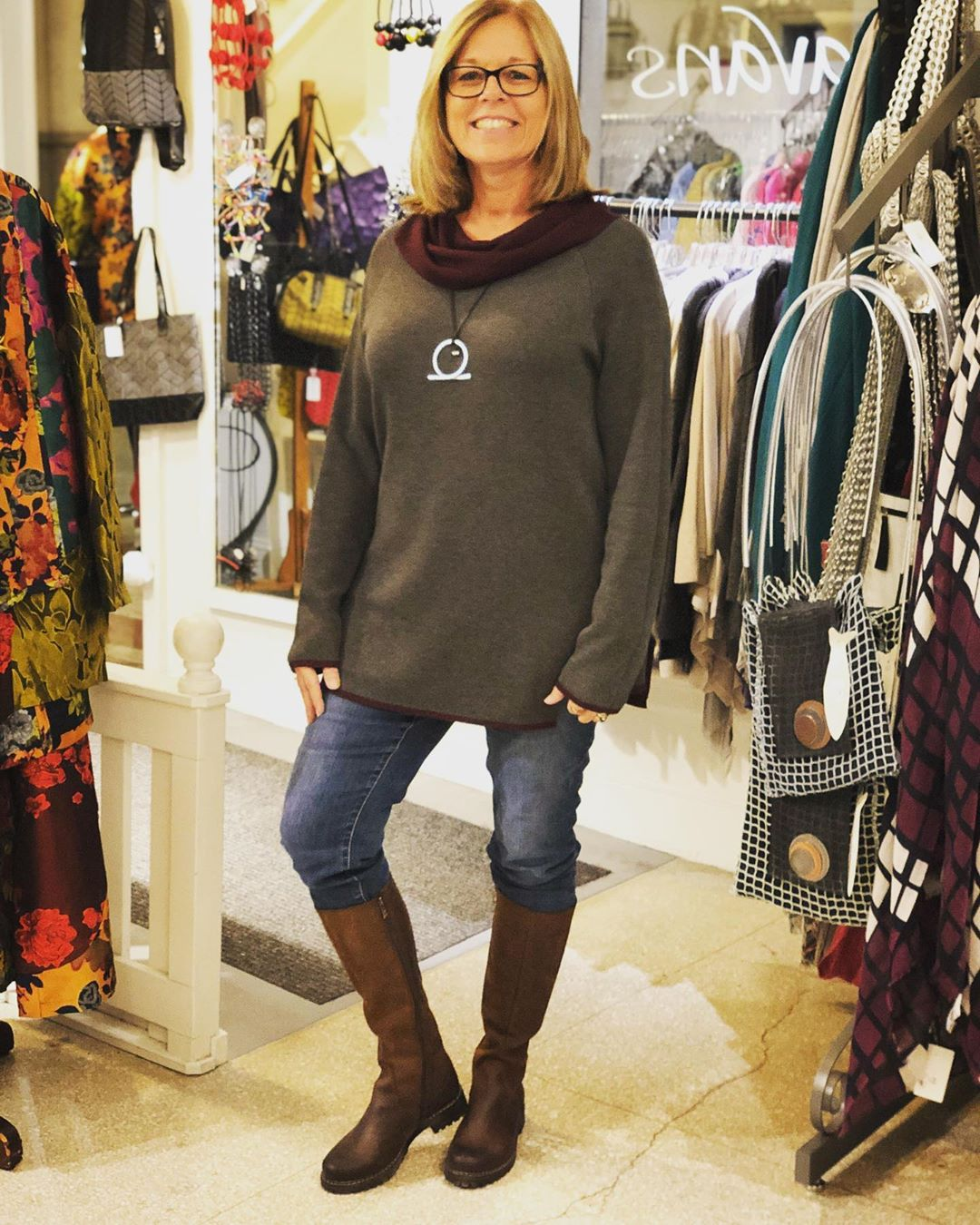 I got to dress Trisha from West Virginia in head to toe Caravans! She loved it all so much she wore it all right out the door! She's in a fabulous reversible sweater by @ostapparel leather boots by @v_italia_chicago and necklace by @escapefromparisbydom @grovearcade @caravans_asheville