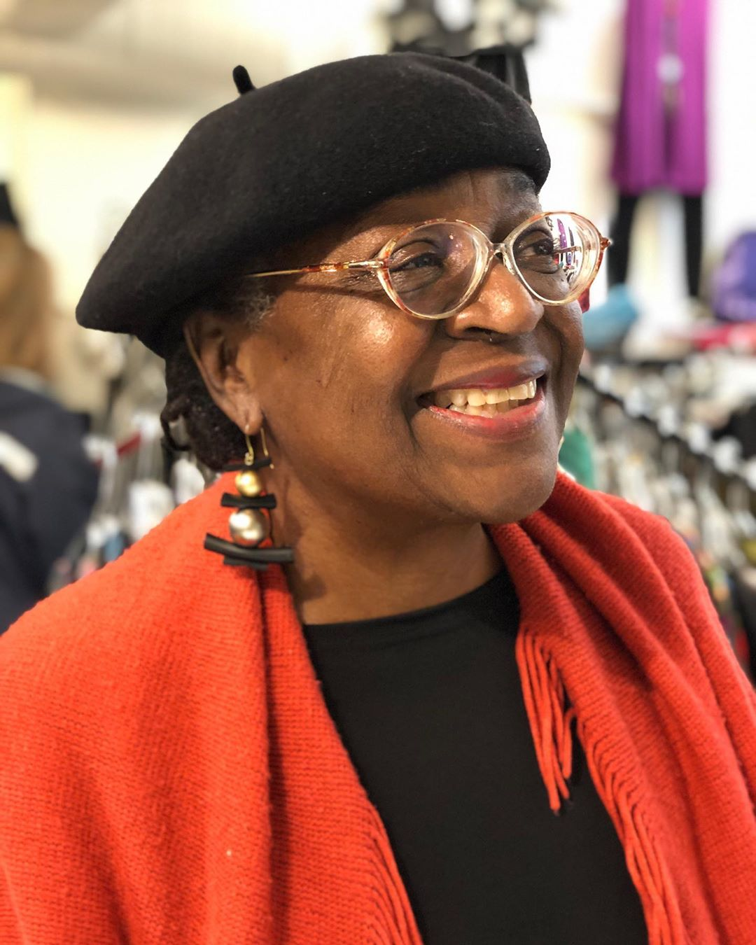Joan is shining in her new @zzanjewelry earring! That smile made our day shine @grovearcade @caravans_asheville